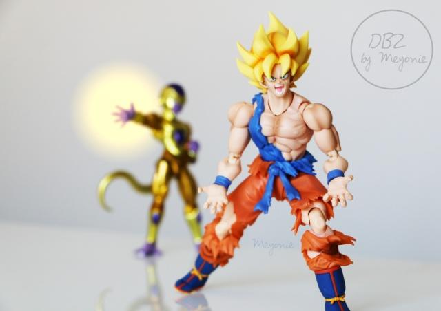 DBZ-by-Meyonie-son-goku-super-saiyan-awakening-version-et-golden-freeza
