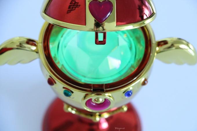 sailor-moon-chalice-proplica-sailor-moon