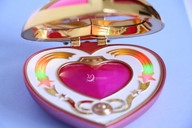 sailor-moon-Meyonie-proplica-cosmic-heart-open