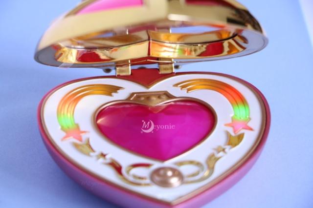 sailor-moon-Meyonie-proplica-cosmic-heart-open