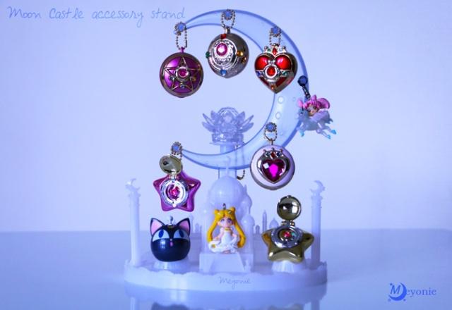 sailor-moon-moon-Castle-accessory-Meyonie-brooch-star-locket