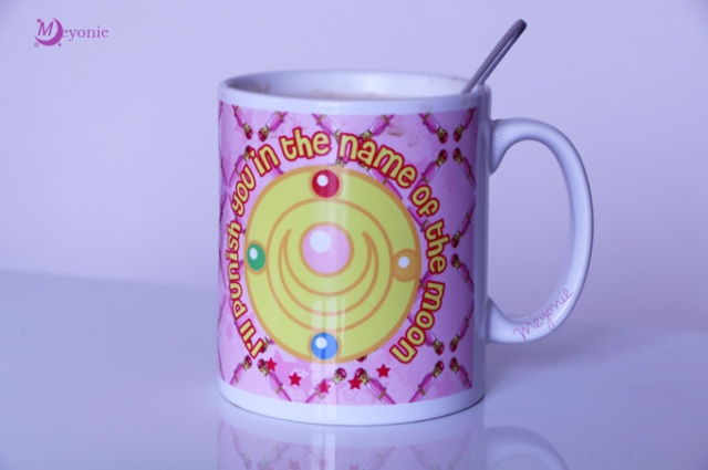 sailor-moon-mugs-broche-i'll-punish-you-in-the-name-of-the-moon-Meyonie-2