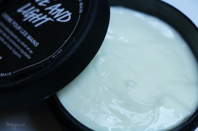 boîte-cadeau-hello-gorgeous-crème-mains-Love-and-light-Lush-Meyonie