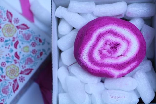 boîte-cadeau-hello-gorgeous-Pain-moussant-Lush-Meyonie