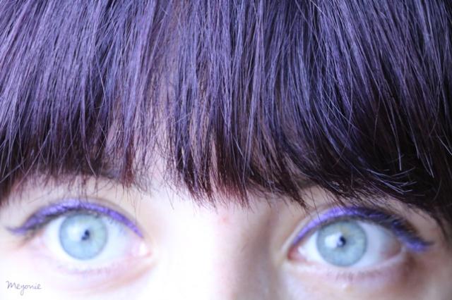 frange-cheveux-colorés-violet-bleus-meyonie