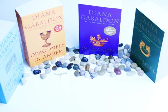 outlander-novels-scottish-flag-stones-meyonie
