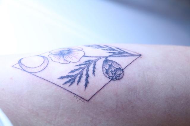 meyonie-tatouage-botanique-geometrique-toma-pegaz-landcape-tattoo-blogueuse