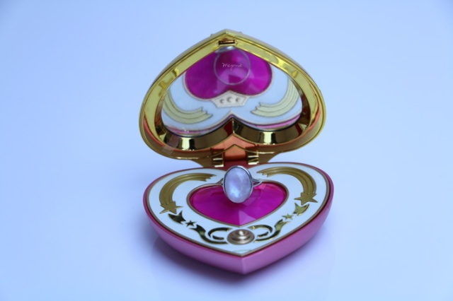 meyonie-cosmic-heart-compact-sailor-moon-portrait-chinois-des-blogueuses