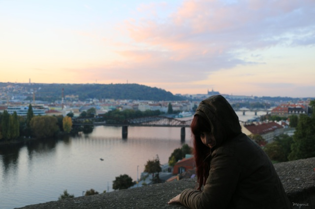 bday-girl-meyoine-prague-vyserhad-sunset