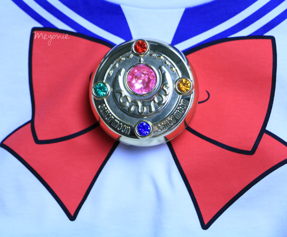 meyonie-sailor-moon-tsirt-broche