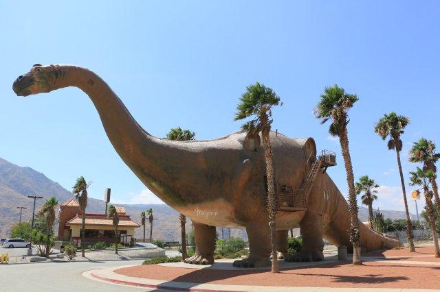 meyonie cabazon dinosaurs californie.jpg