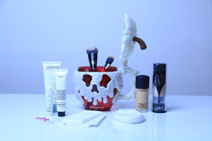 meyonie-tutoriel-make-up-blanche-neige-1.jpg