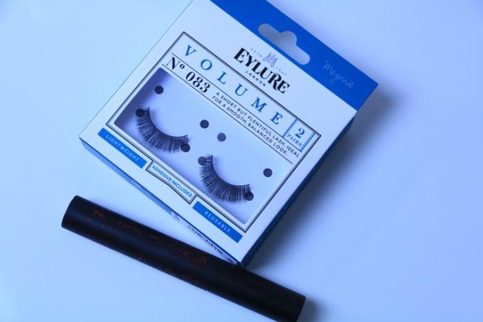 meyonie-tutoriel-make-up-blanche-neige-faux-cils-mascara.jpg